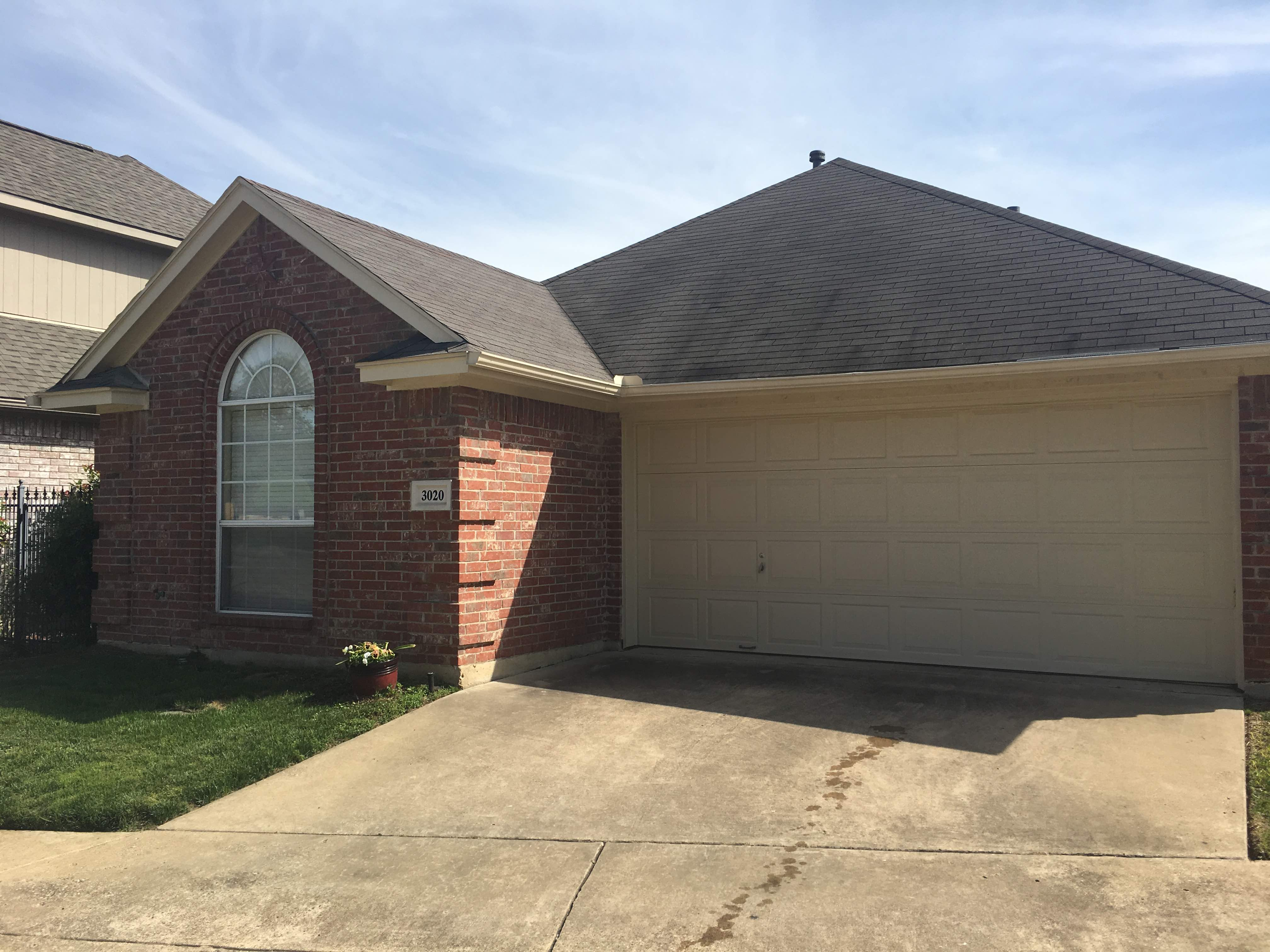 2 Open Houses This Weekend. Saturday And Sunday From 1 3p.m. See More  Details On The Website. Large Corner Lot Is A Must See.